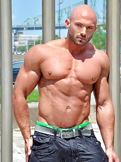 Bodybuilders Pictures